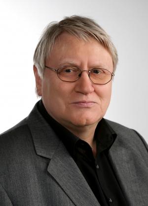 Prof. Ernst Kausen